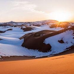 草原沙漠: 上海-内蒙古呼和浩特希拉穆仁草原+响沙湾4日跟团游